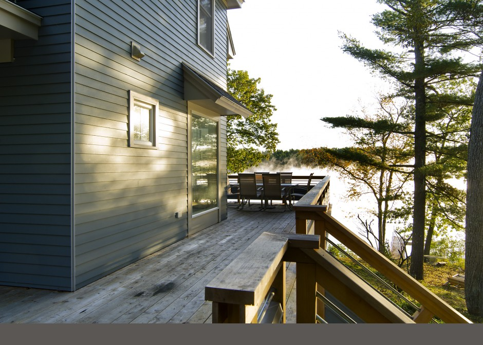 custom design, waterfront deck, Maine Architect, cedar railing, Hardiplank siding